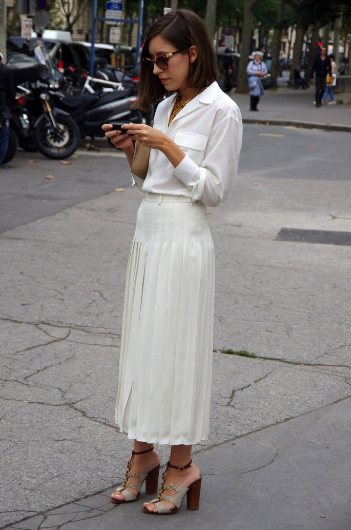 fashion-2015-11-white-shirt-outfit-ideas-work-white-pleated-skirt-getty-images-main