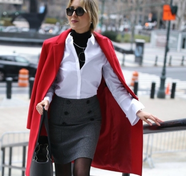 red-oversized-coat-grey-double-breasted-button-mini-skirt-tie-sleeve-white-shirt-layered-turtleneck-work-wear-memorandum-style-blo
